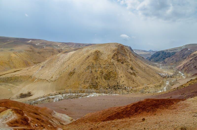Pustynny teren jednakowy Mars obrazy royalty free