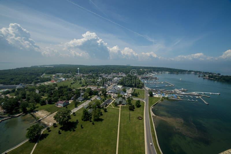 Putinbay海岛从犁酒` s纪念碑的 图库摄影