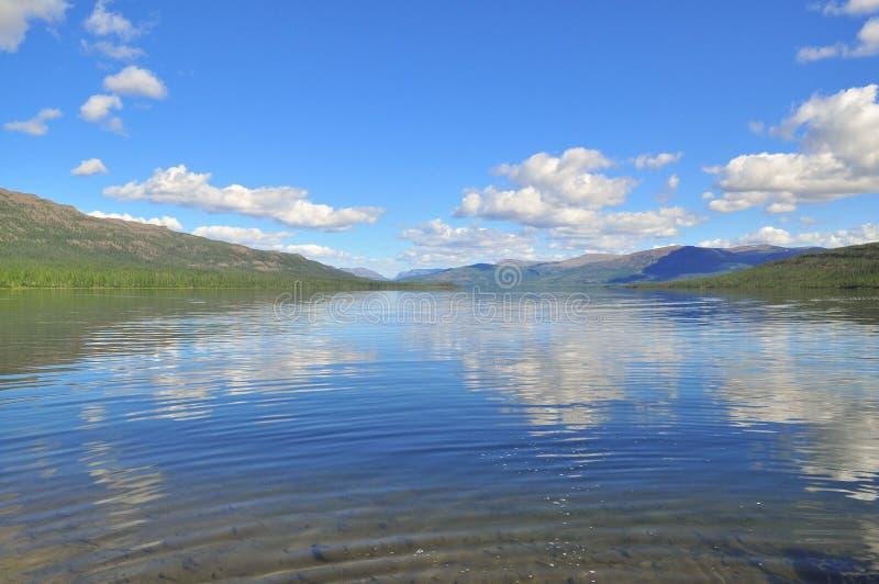Putorana高原的湖Nakomyaken 免版税库存照片