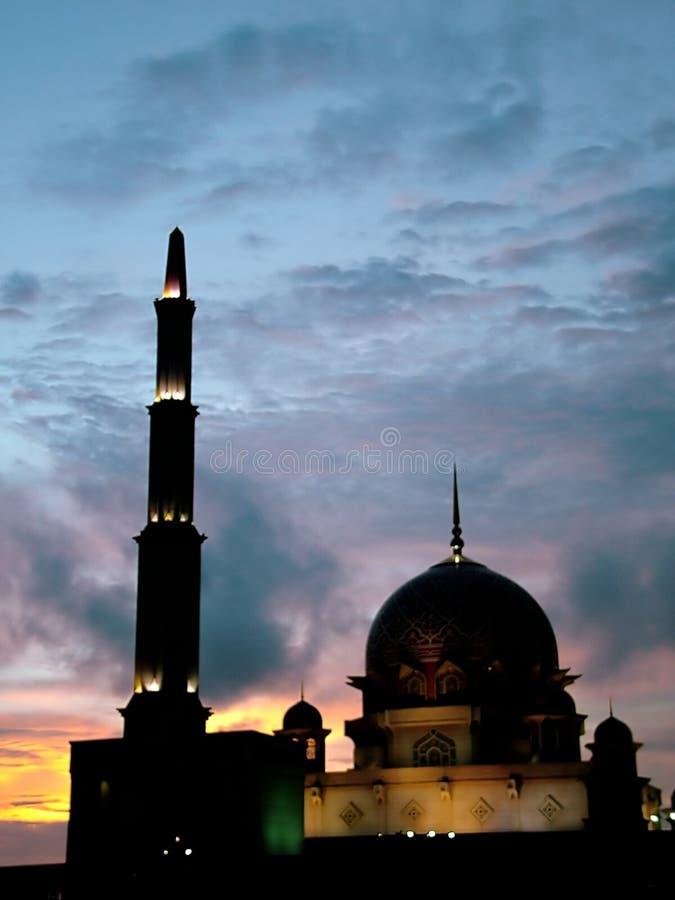 Download Putra Jaya Moschee stockbild. Bild von gemeinde, mission - 32729
