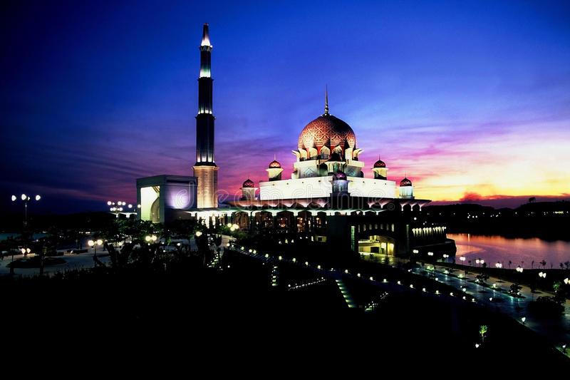 Download Putra Mosque editorial photography. Image of lake, asia - 25824197