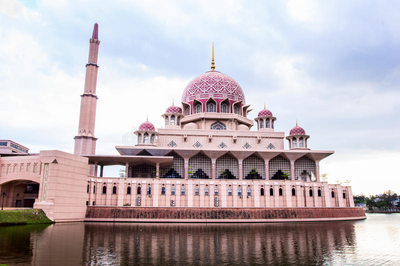 Putra Mosque located in Putrajaya city the new Federal Territory. Putra Mosque is located in Putrajaya city the new Federal Territory of Malaysia stock images