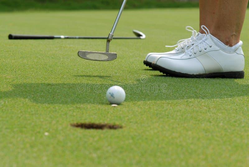 Putt do golfe fotografia de stock