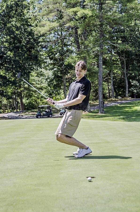 Putt manqué de golf photographie stock libre de droits