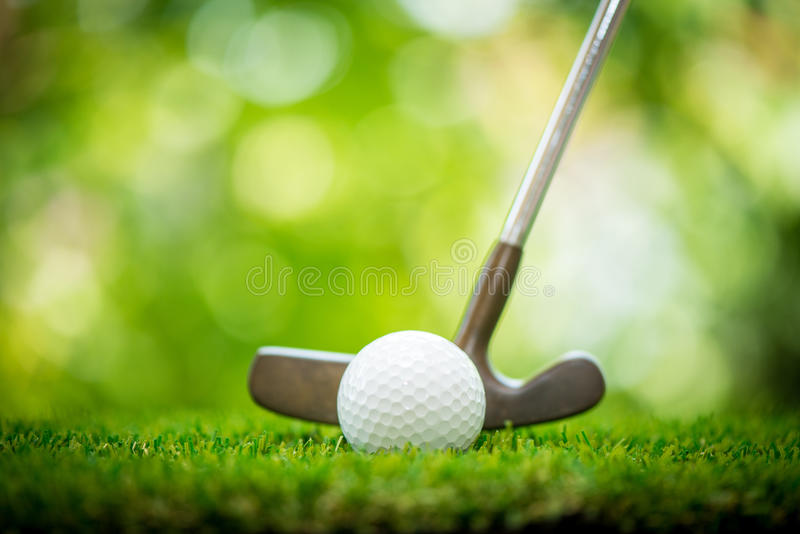 Putter de la pelota de golf fotos de archivo libres de regalías