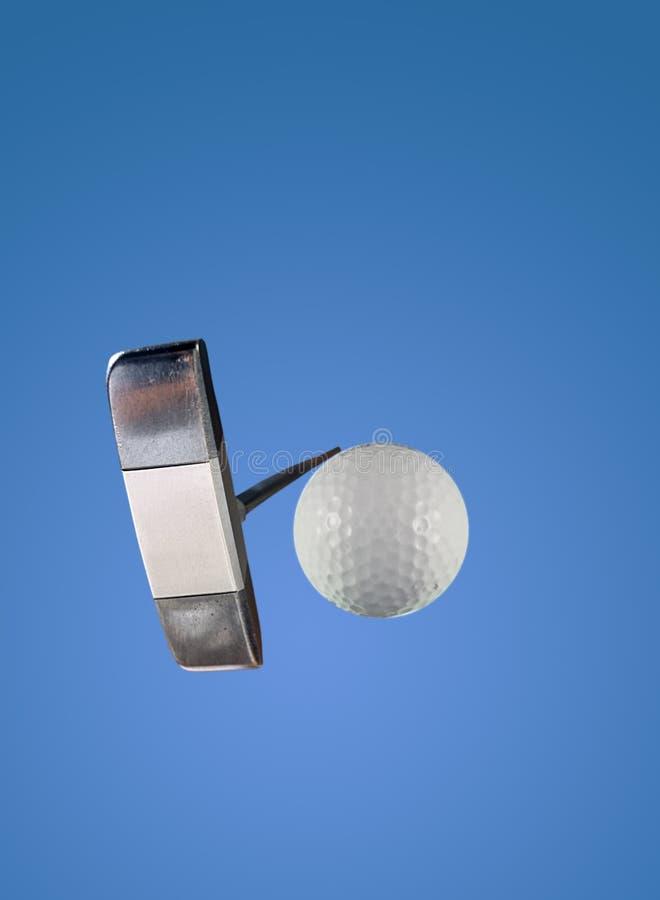 Putter en Golfbal stock afbeeldingen