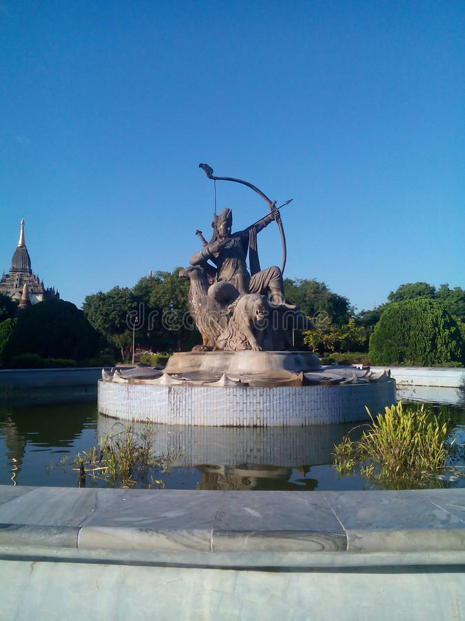 Puu看见了Htee,缅甸的古老英雄 库存图片