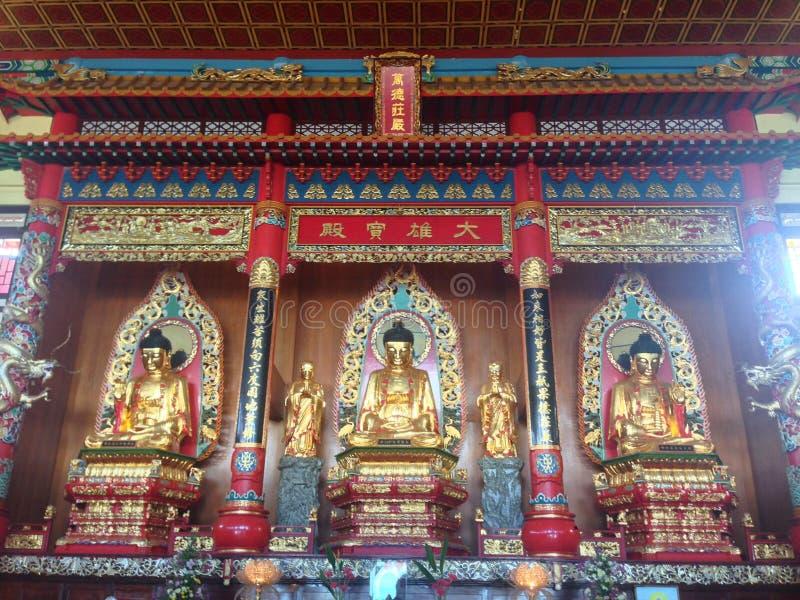 Puu Jih Shih Temple é um templo budista situado na cume de Tanah Merah na baía de Sandakan em Sandakan, Sabah, Malásia fotografia de stock