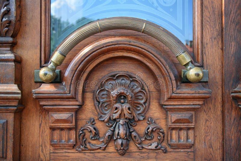 Puxador da porta de bronze imagens de stock royalty free