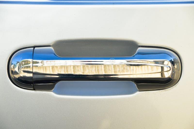 Puxador da porta do carro de metal de Chrome foto de stock royalty free