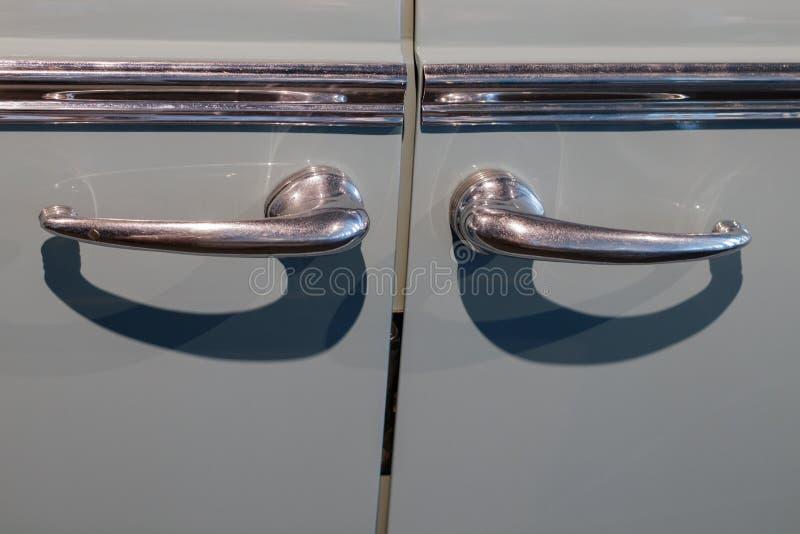 Puxadores da porta de um carro ZIS 11OP do vintage fotografia de stock royalty free