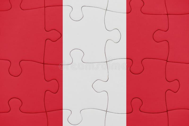 Puzzle avec le drapeau national du P?rou photos stock