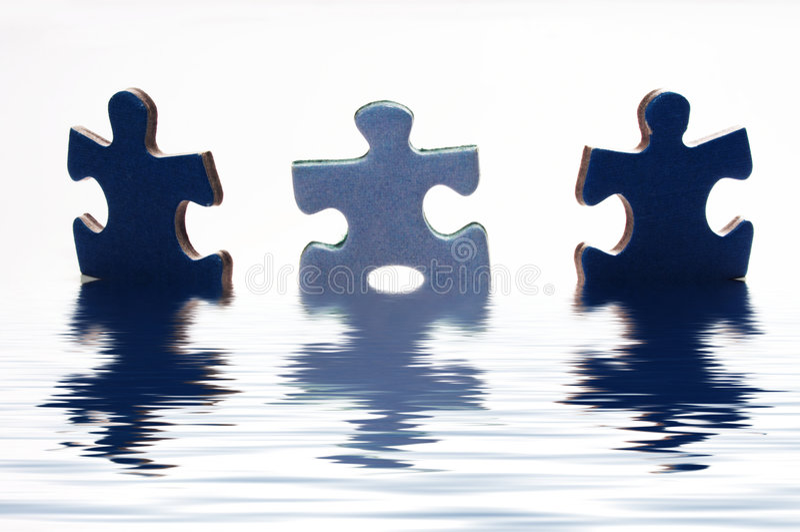 Puzzle dans l'eau images libres de droits