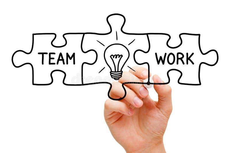 Puzzlespiel-Konzept der Teamwork-großartigen Idee lizenzfreies stockfoto