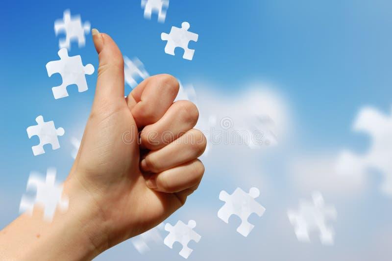 Puzzlespiel-Lösung lizenzfreie stockfotografie