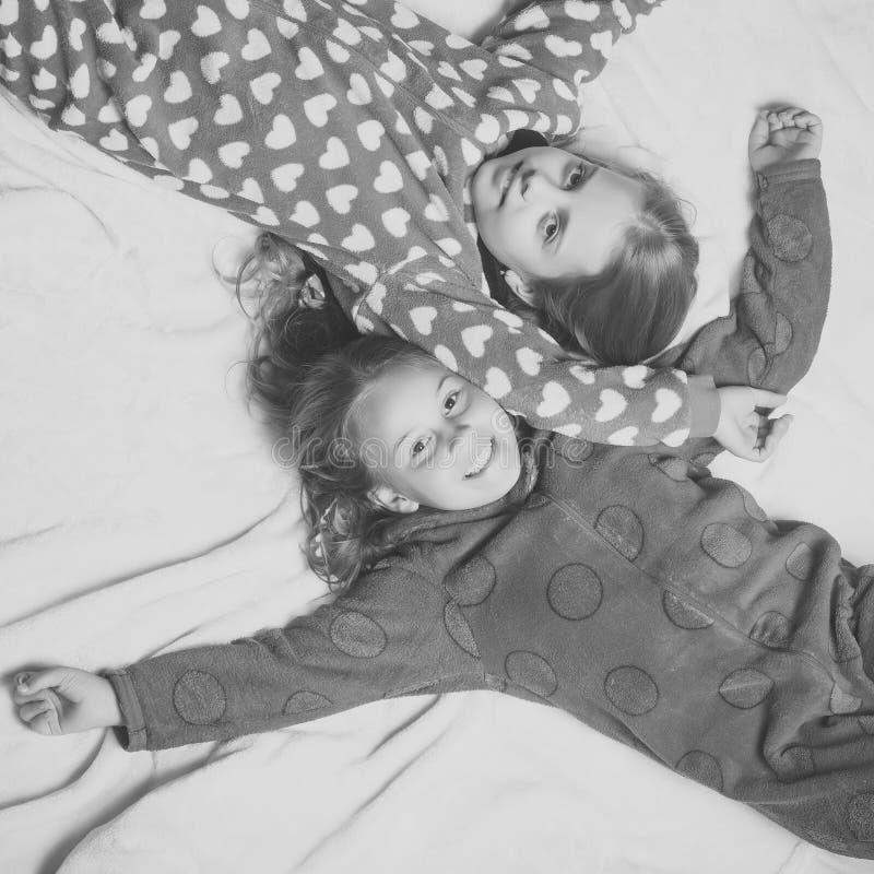 Pyjamapartij Comfort, huisconcept royalty-vrije stock afbeelding