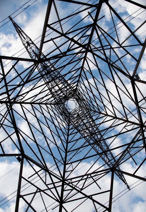 Pylon λεπτομέρειες πύργων ηλεκτρικής ενέργειας, ενεργειακός εφοδιασμός στοκ εικόνα