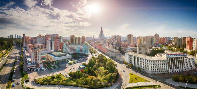 PYONGYANG, KOREA-OCTOBER DEL NORD 13,2017: Panorama della città dal punto superiore immagini stock