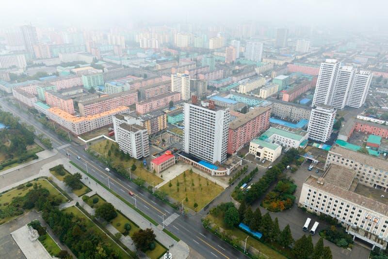 PYONGYANG, KOREA-OCTOBER DEL NORD 10,2017: Panorama di Pyongyang sopra immagine stock