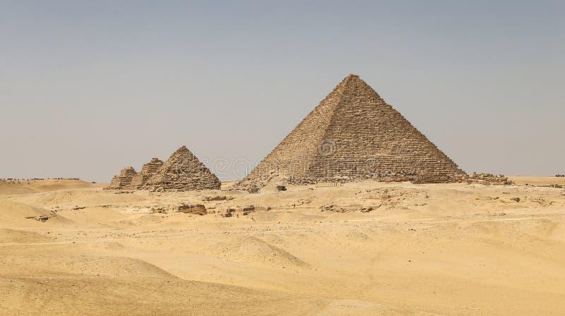 Pyramid av Menkaure i det Giza pyramidkomplexet, Kairo, Egypten royaltyfria bilder