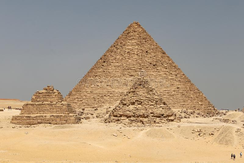 Pyramid av Menkaure i det Giza pyramidkomplexet, Kairo, Egypten royaltyfri fotografi