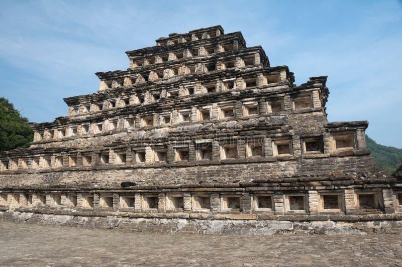 Pyramid av nischerna, El Tajin (Mexico) royaltyfria foton