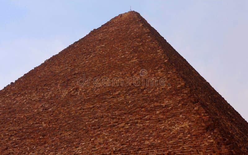 Pyramid i öken av Egypten i Giza royaltyfria foton