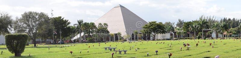 Pyramid i Florida arkivbild