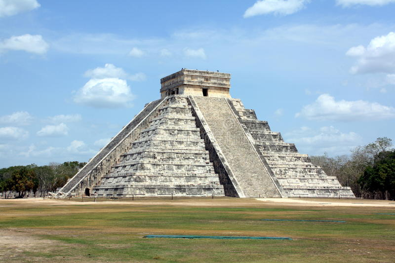Pyramid of Kukulcan stock images