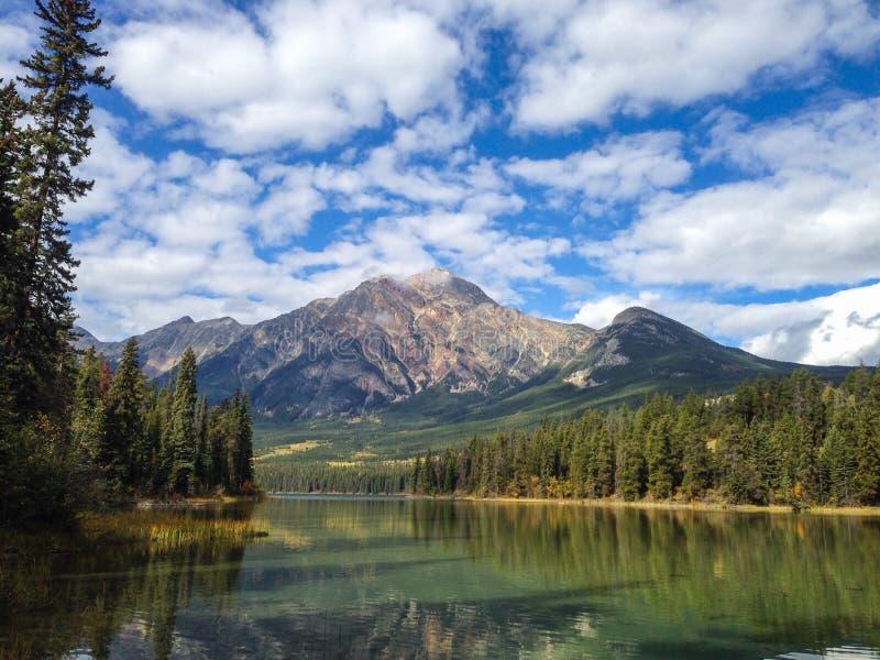 Pyramid Lake royaltyfria bilder