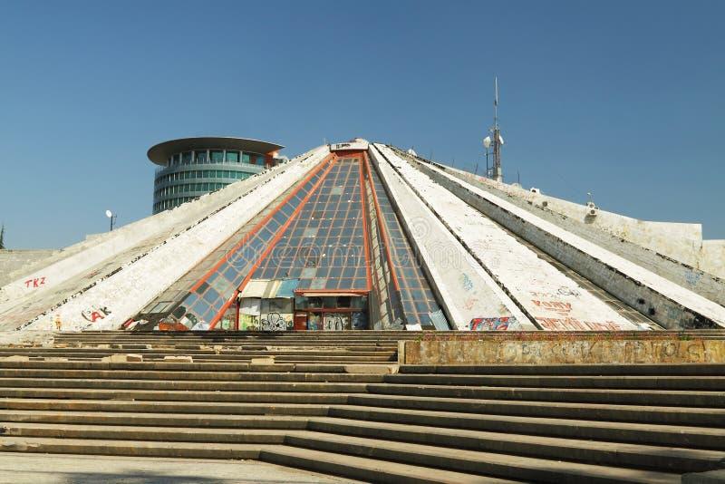 Pyramid på Tiranï ¿ ½, Albanien royaltyfri fotografi