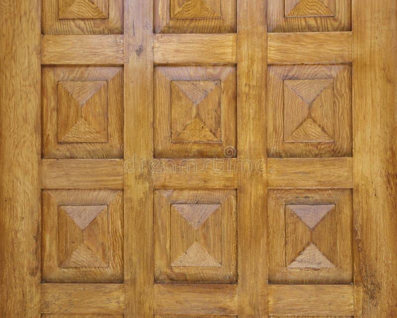Pyramidal форменная деревянная деталь двери стоковая фотография rf