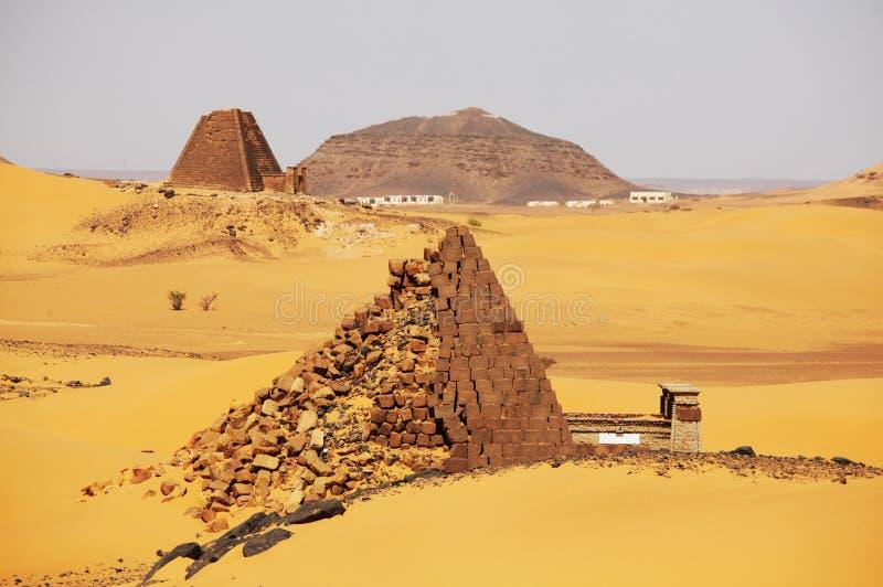 Pyramide au Soudan image stock