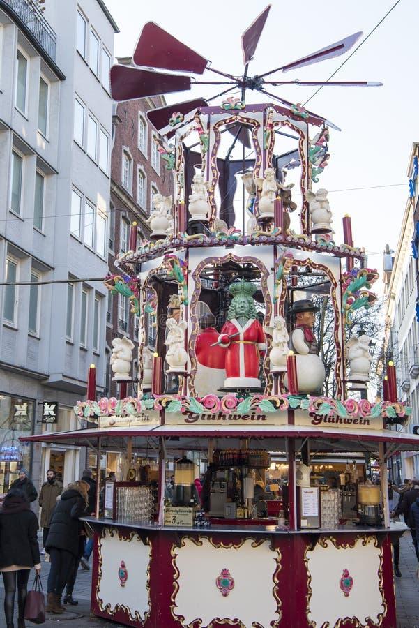 Pyramide Düsseldorf de la Navidad fotografía de archivo