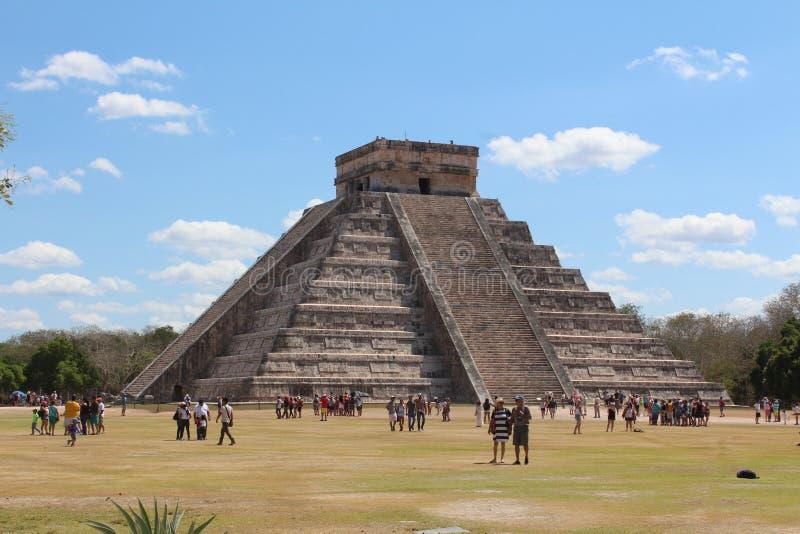 Pyramide d'itza de Chichen sur le Mexique images stock