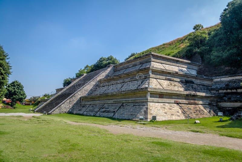 Pyramide de Cholula - Cholula, Puebla, Mexique images stock