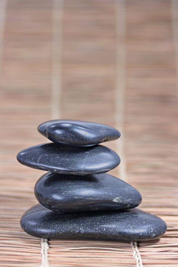 Pyramide de quatre pierres images libres de droits