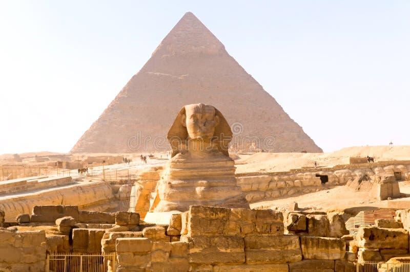 Pyramide de sphinx et de Khufu images libres de droits