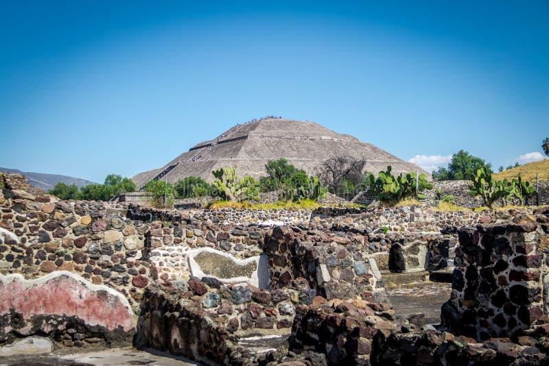 Pyramide de The Sun aux ruines de Teotihuacan - Mexico, Mexique images libres de droits