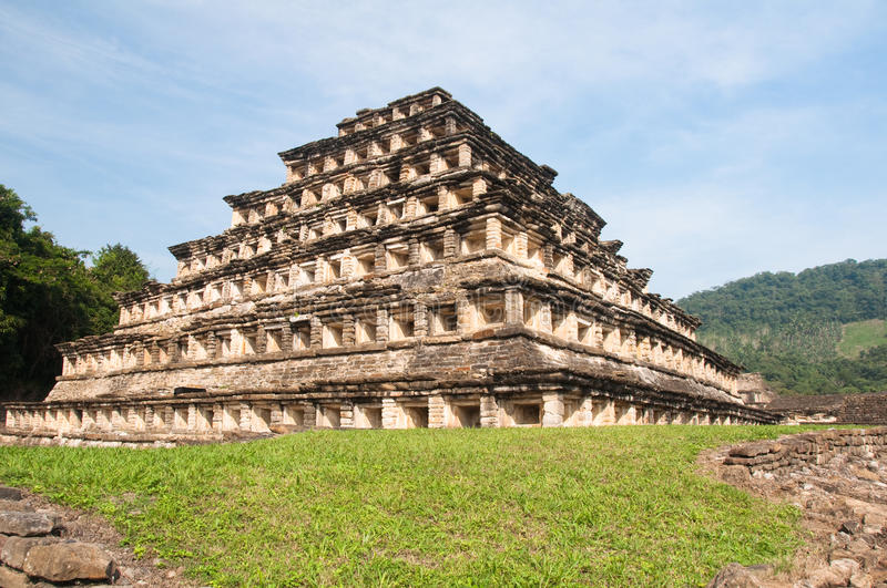 Pyramide der Nischen, EL Tajin (Mexiko) stockfotografie