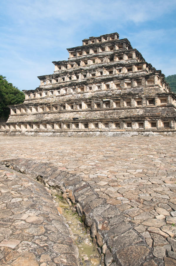 Pyramide der Nischen, EL Tajin (Mexiko) stockfotos