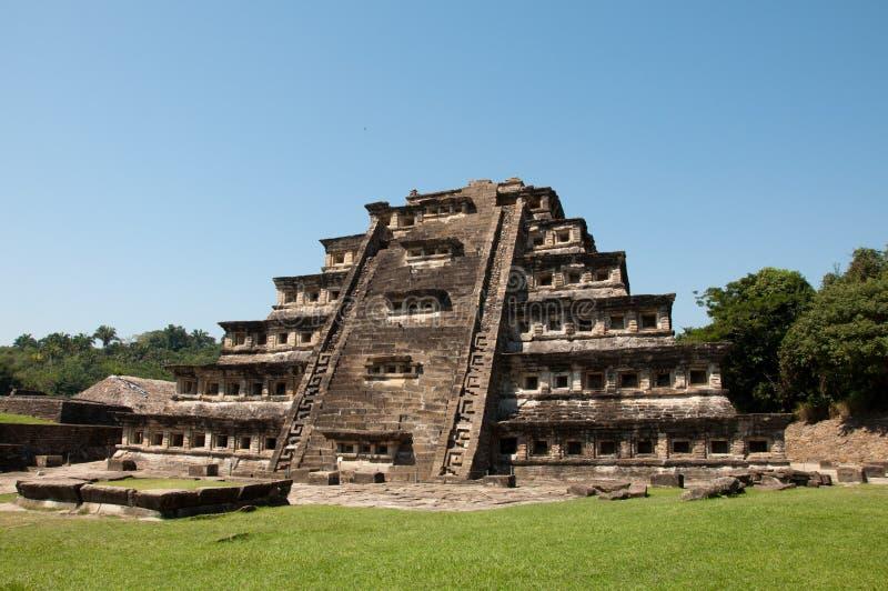 Pyramide der Nischen - Tajin mexiko stockfotografie