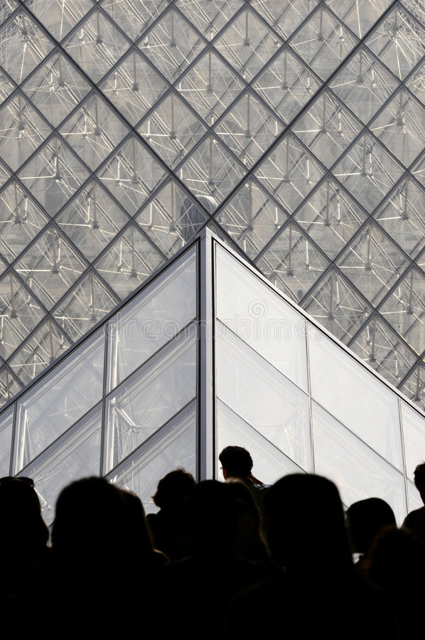 Pyramide des Louvre, Paris, Franca stockbild