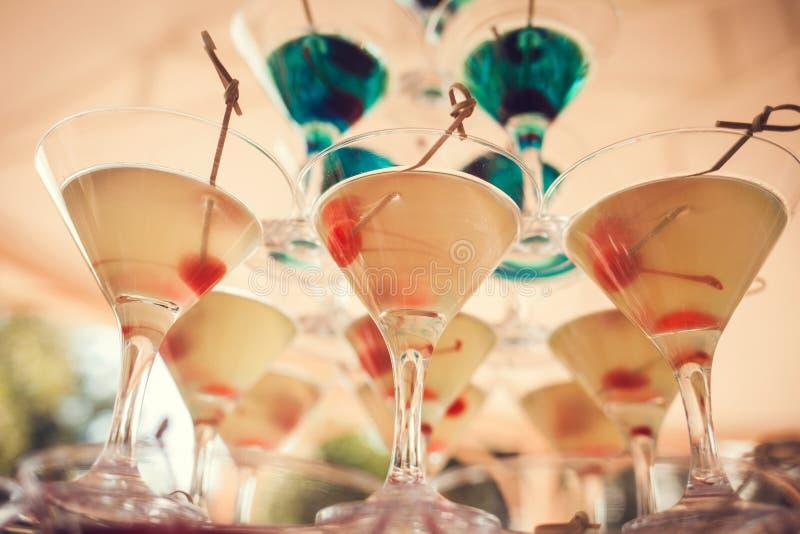 Pyramide des verres de champagne photographie stock libre de droits