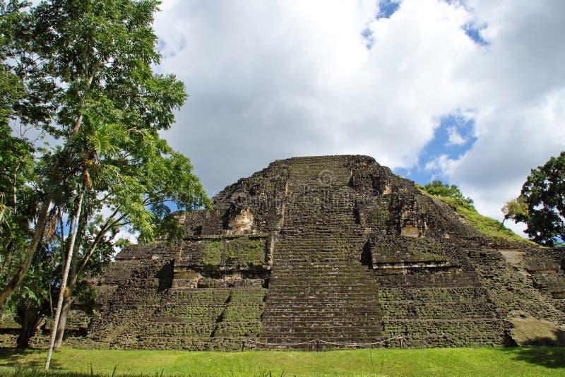 pyramide maya antique photo stock