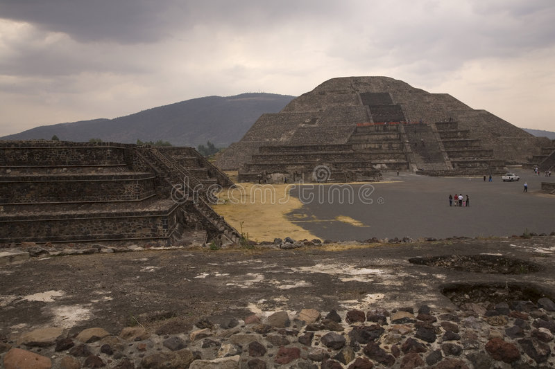Pyramide Teotihuacan Mexique de lune images stock