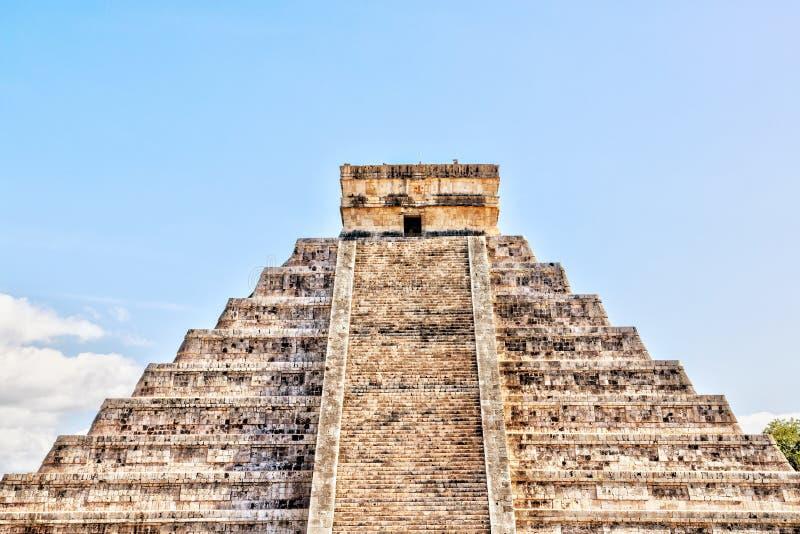 Pyramide van Kukulcan op Chichen Itza op het schiereiland Yucatan, Mexico royalty-vrije stock afbeelding