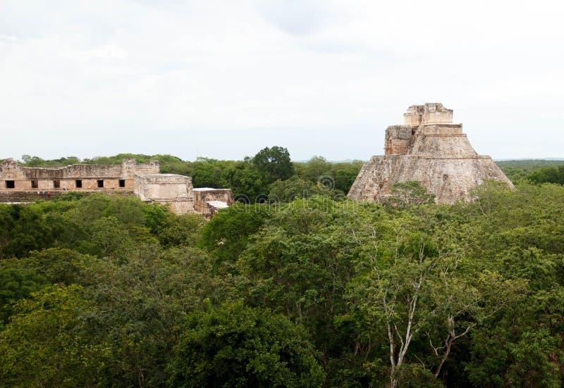 Pyramiden av trollkarlen, Uxmal Maya fördärvar, Mexico-2 arkivfoto