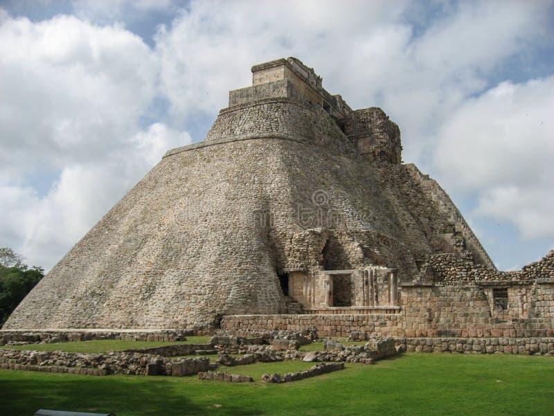 Pyramiden av trollkarlen Uxmal Yucatan Mexico royaltyfria bilder