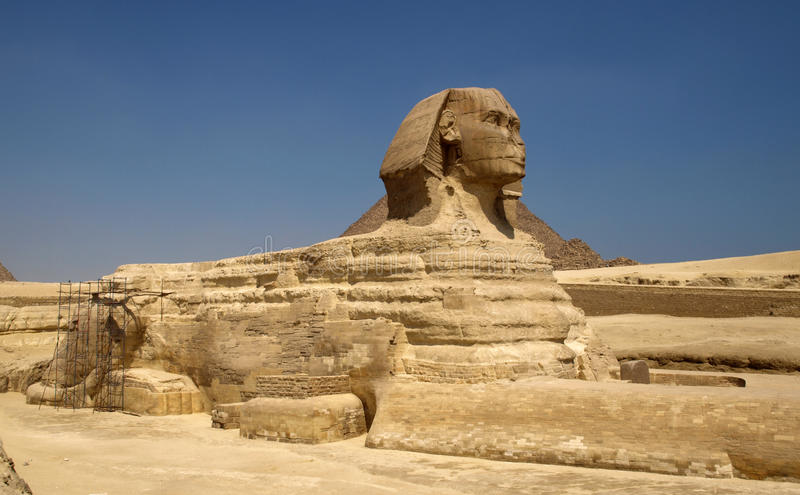Pyramiden und Sphinx lizenzfreies stockfoto